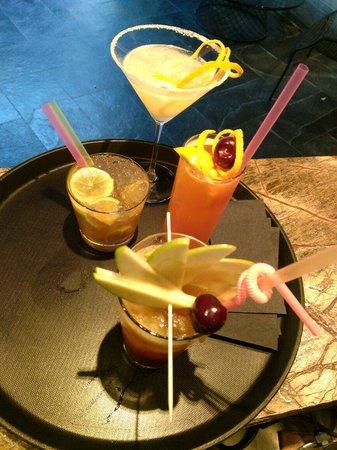 Boutique Saint Sophia Hotel: pita cafe summer cocktails