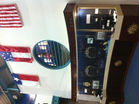 Texas Maritime Museum : Displays