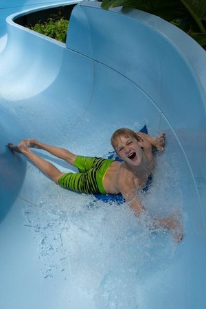 Outrigger Laguna Phuket Beach Resort : Waterslide