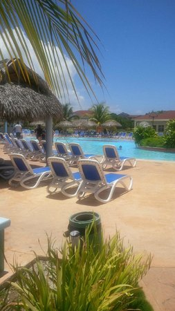 Memories Paraiso Beach Resort: Pool