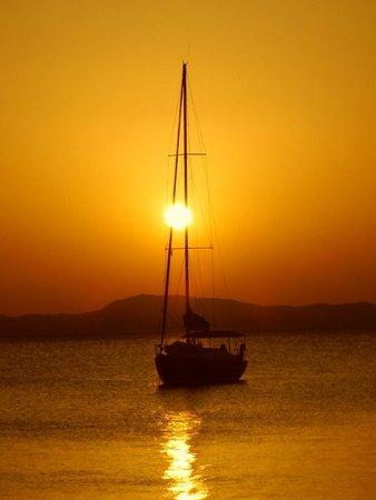 Pounda Paou: Milina at sunset