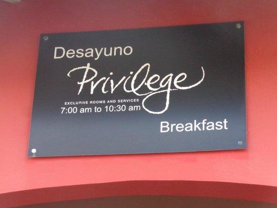 Ocean Blue & Sand: area del desayunador privilege