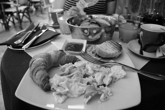 Cafe Festival: early breakfast