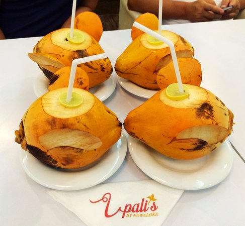 Upali's: Drink: King Coconuts