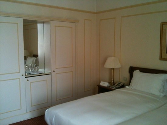 Hotel Le Plaza : our deluxe room