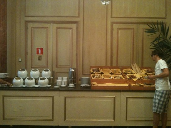 Hotel Le Plaza : Breakfast buffet (continued)