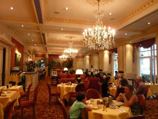 Hotel Le Plaza : Breakfast room (in summer only, it seems)