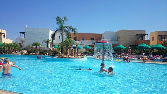Mikri Poli Rhodos Resort: widok z lezaka