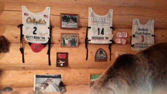 Alaska's Wasilla Bed and Breakfast: Iditarod memorabilia in dining area