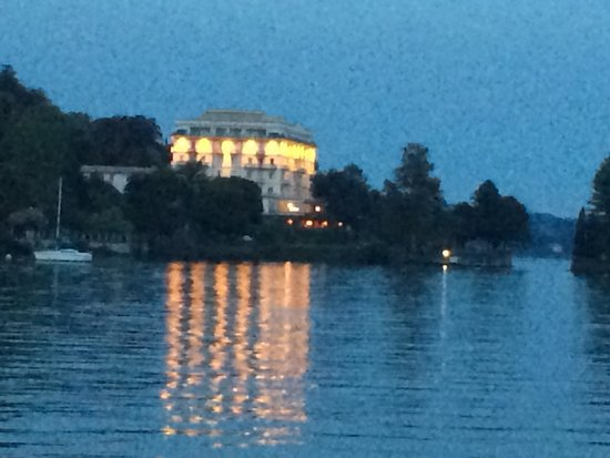 Grand Hotel Majestic: Abendlicher Blick aus Verbania