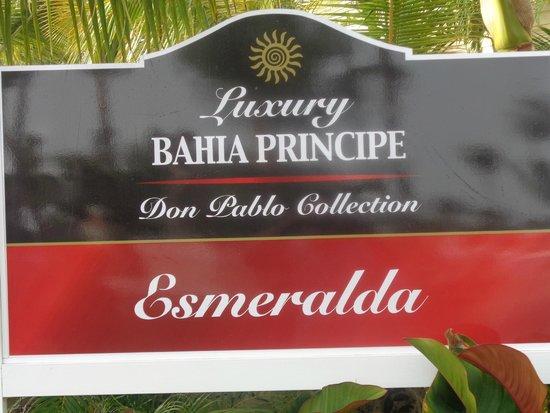 Luxury Bahia Principe Esmeralda Don Pablo Collection : entrada al area de la playa