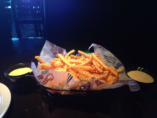 Chickie's & Pete's: Famous crab fries