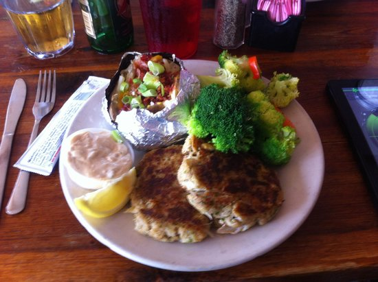 Blackbeard's On The Beach: Crabcakes