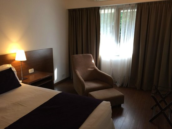 Dazzler Maipu: quarto grande e limpo