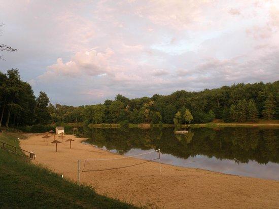 Campsites Le Parc de Fierbois: uitzicht van het meer