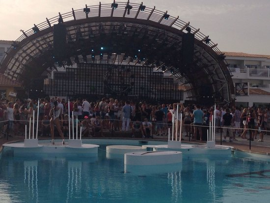 Ushuaia Ibiza Beach Hotel : Party