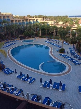 Hotel Faro Jandia & Spa: Faro swimming pool from room 512