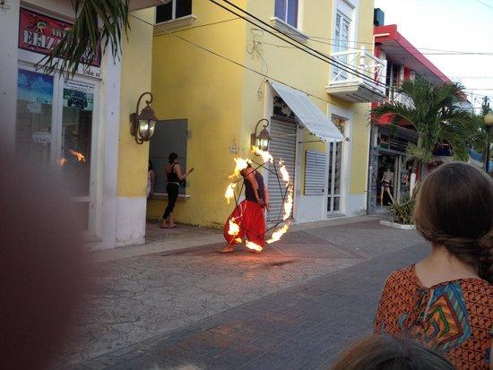 Casa Denis: fire dancers entertained us.