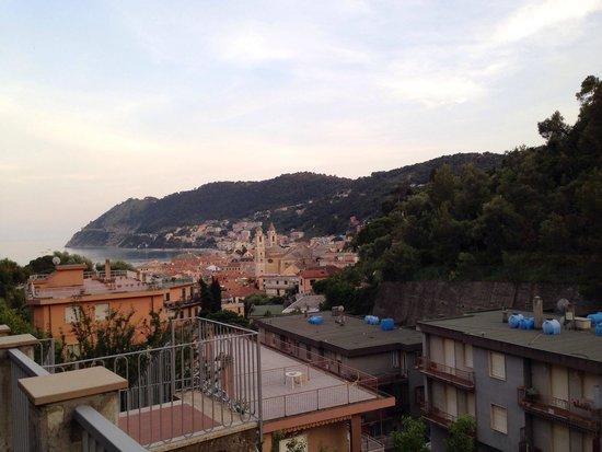 Hotel Patrizia: La vista dall'ingresso dell'hotel.