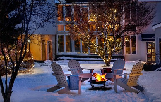 The Orchards Hotel : Courtyard Winter