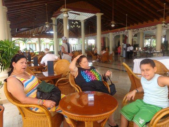 Grand Bahia Principe Turquesa: Area de recepción.