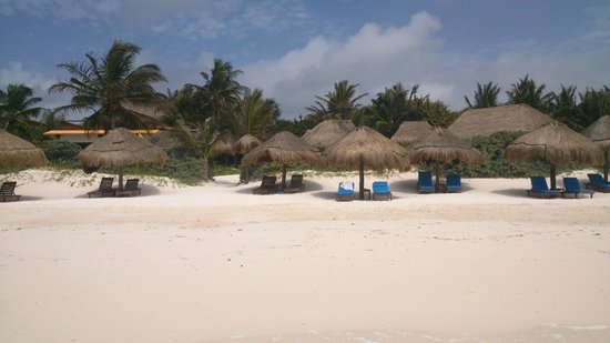 Retiro Maya Villas: La playa bella y muy tranquila