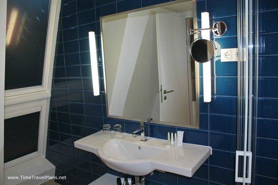 Estilo Fashion Hotel: bathroom