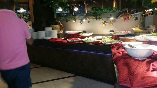 168 Restaurant: Il bancone del fresco