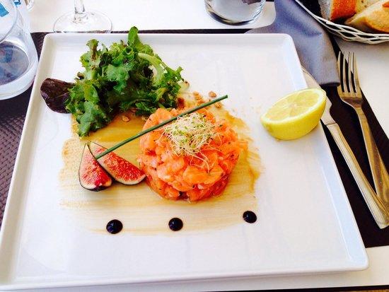 Acula marina : Tartare di salmone all'aneto.
