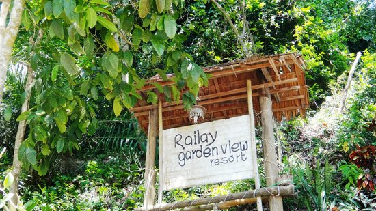 Railay Garden View Resort: The sign of the hotel