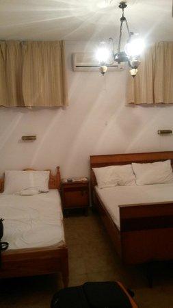 Baha Ammes Apartments: bedspace