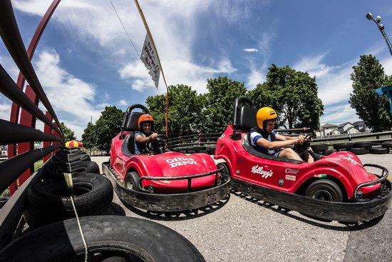 East Park Golf Gardens: Racing Fun