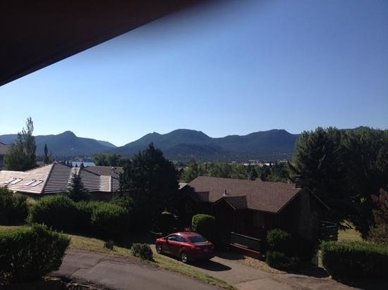 Discovery Lodge: The view from our balcolny.