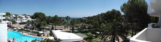 Hotel Rocamarina: Pool and towards the sea from balcony.