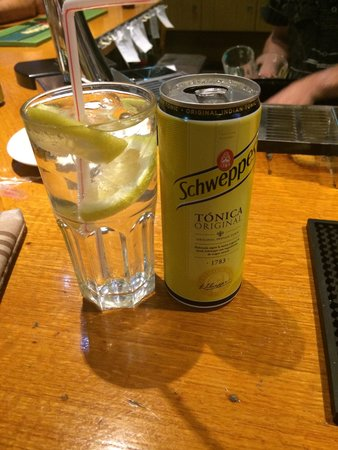 Oura Bar: Just a small G&T ����