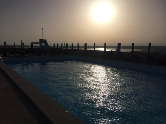 Hotel Eva : Piscina all'ultimo piano al tramonto