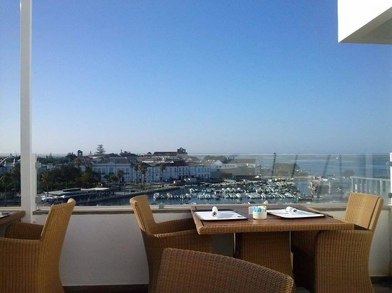 Hotel Eva : Colazione con vista sull'oceano!