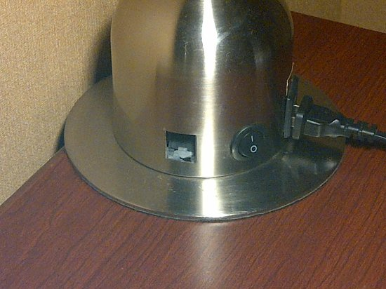Four Points by Sheraton Richmond : Hole in desk lamp. Shock hazard.