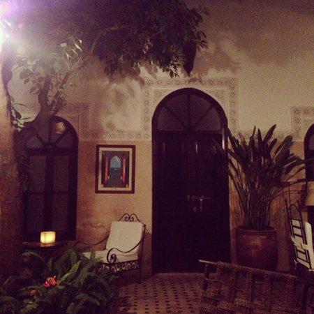 Riad Aguerzame: entrance to groundfloor room