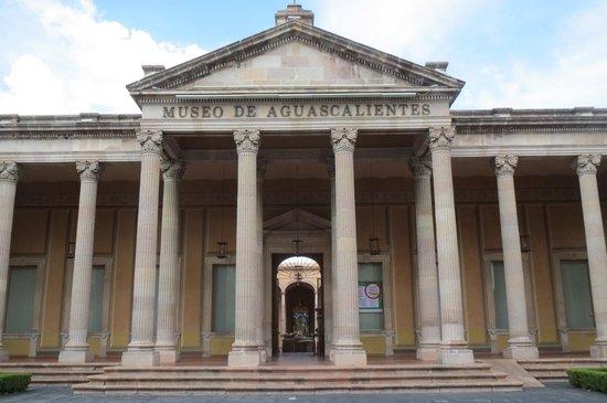 Museo de Aguascalientes : 正面入り口