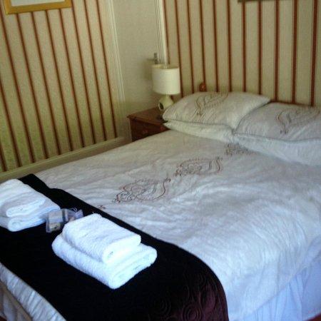 The Riverside : Bedroom