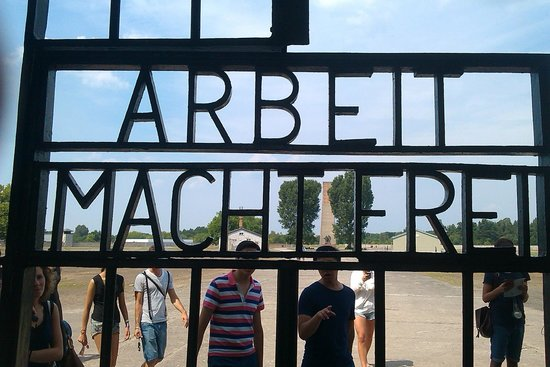 Sachsenhausen Concentration Camp : work sets you free