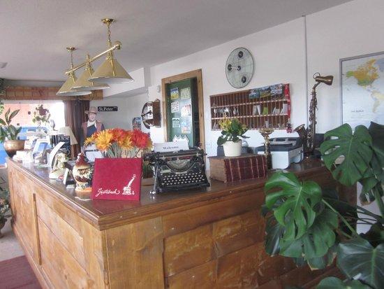 Globetrotter Lodge: Reception