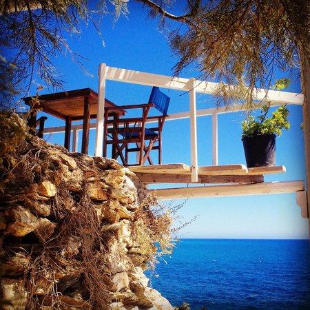 Papalagi Taverna : By the sea!
