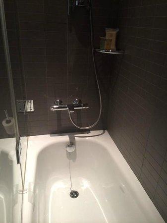 Vincci Bit: Baignoire très propre