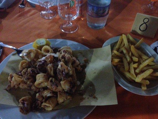 Il Brigantino : Fritto di calamari con patatine fritte