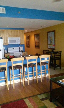 Splash Resort Condominiums Panama City Beach: View of Kitchen from Living Room