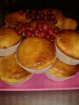 The French Quarter Cafe: Homemade Gluten Free banana muffins