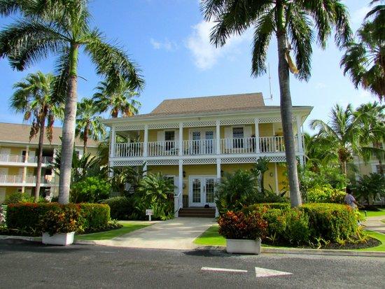 Sunshine Suites Resort: Hotel reception