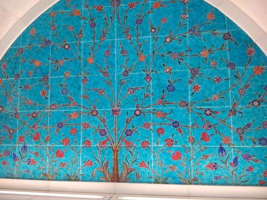 Mosquée Cheikh Zayed : Мозайка у входа
